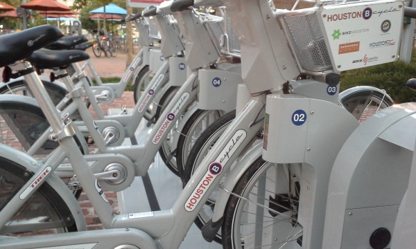 http://houston.bcycle.com/